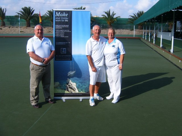 Men & Ladies Singles Champions G.Kain &