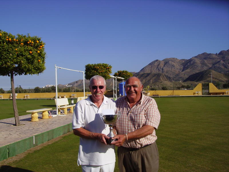 calb-finals-mens-singles-winner-2011-ian-brewster-with-chairman-dave-jenkins.jpg