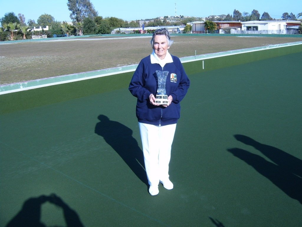 2012-appleby-vase-winner-patsy-tonkin