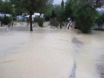 4-storm-damage-camping-site-jan-2010-small.jpg